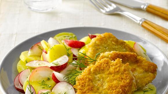 Putenschnitzelchen mit Kartoffel-Radieschensalat
