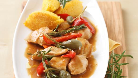 Hühnergeschnetzeltes mit Paprika und Polentanockerl
