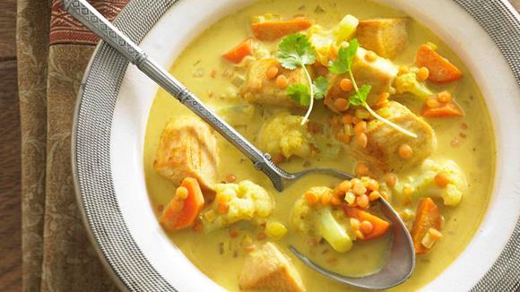 Indische Hühnersuppe mit Karotten, Karfiol und Linsen Rezept