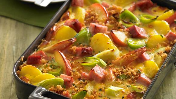 Kartoffel-Apfel-Auflauf mit Selchkarree Rezept