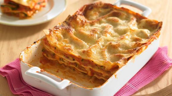 Lasagne mit Zucchini, Tomaten und Mozzarella