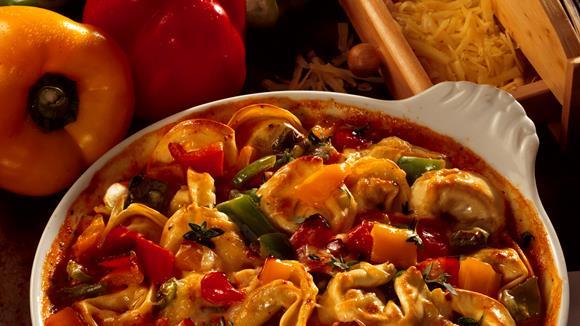 Überbackene Tortellini mit Paprika und Tomaten Rezept