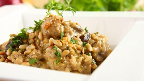 Hühnerrisotto mit Rucola und Pignoli Rezept