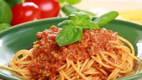 Spaghetti mit Lammsugo und Wurzelgemüse Rezept