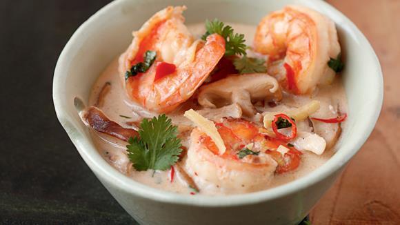 Tom Yum Suppe - Thailändische Garnelen-Pilzsuppe