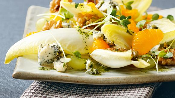Wintersalat mit Mandarinen und Nüssen Rezept