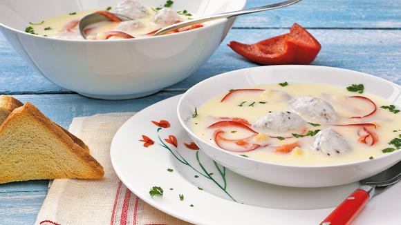 Spargelcremesuppe mit Rotbarschnockerl