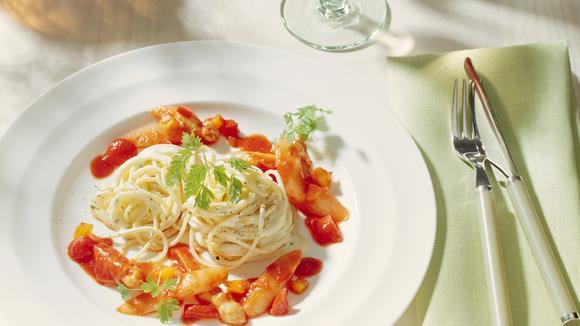 Spargel-Pasta Asciutta mit Paprika Rezept