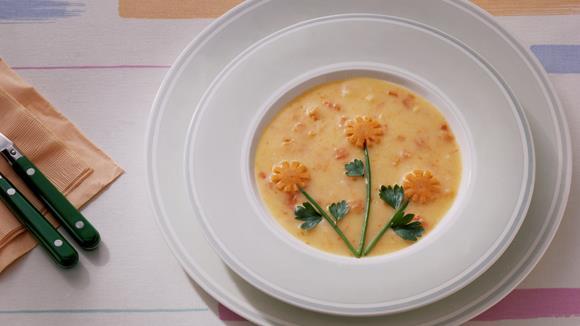 """Karottencreme-Suppe """"Margerite"""""""