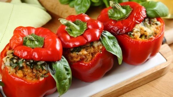 Paprika mit Fleisch-Couscous-Fülle