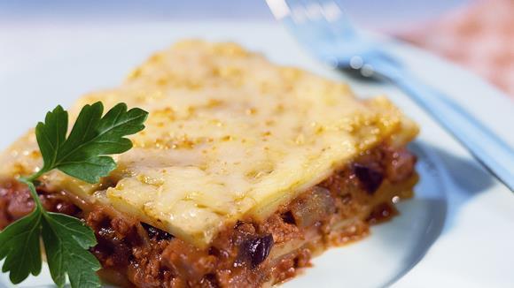 Kartoffel-Moussaka mit Faschiertem und Melanzani Rezept