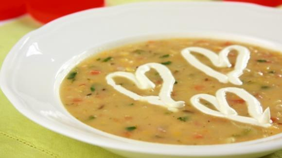 Rote Linsensuppe mit Lachs