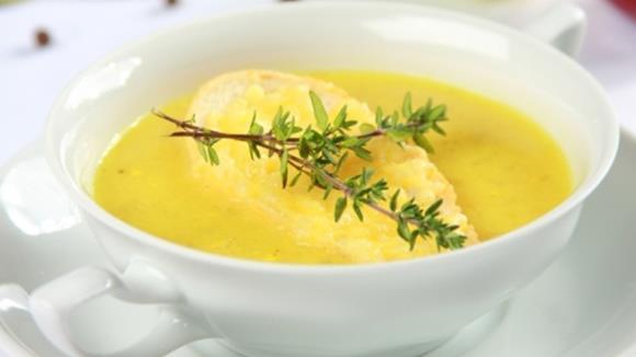 Zwiebelsuppe mit Curry Rezept