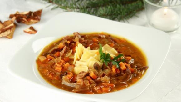 Rindssuppe mit Gemüse und Nudelfleckerl Rezept