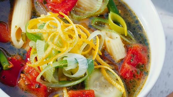 Gemüseeintopf mit Nudeln Rezept
