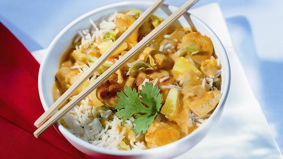 Currypfanne mit Pak Choi, Hühnchen, Ananas und Kokosmilch Rezept