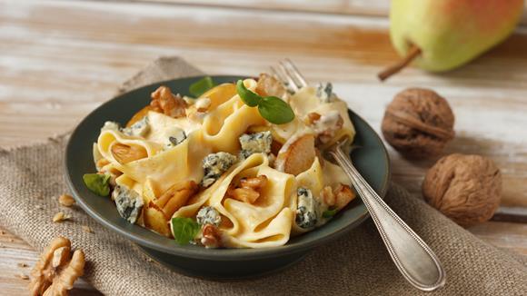 Pasta mit Gorgonzola, Birne und Walnüssen Rezept