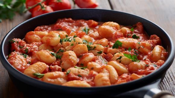 Gnocchi mit Tomaten, Ricotta und Bolognese Rezept