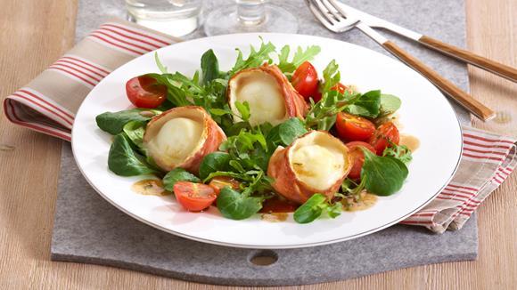 Blattsalat mit gebackenem Ziegenkäse