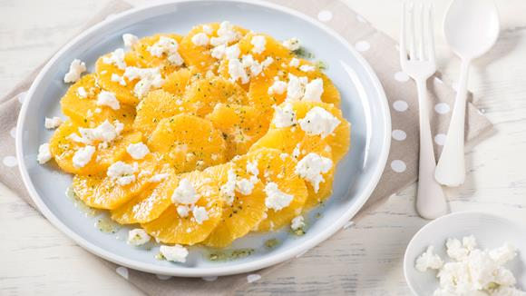 Orangen-Schafskäse-Salat