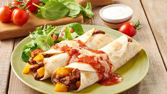 Enchiladas Ranchero mit Rind, Paprika und Cheddar