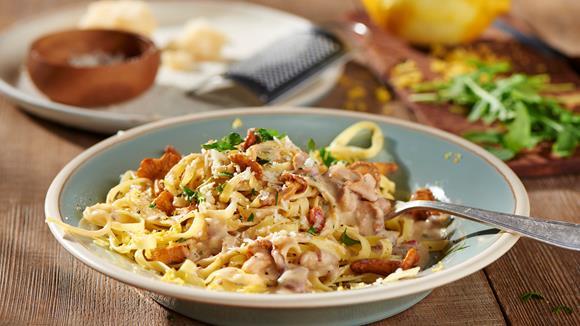 Pasta mit Walnuss und Eierschwammerl Rezept