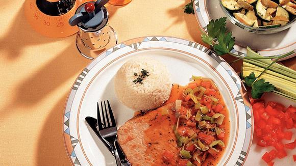 Kalbsschnitzel mit Kräuter-Gemüsesauce