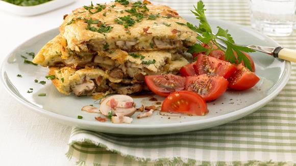 Schwammerl-Palatschinken mit Käsesauce