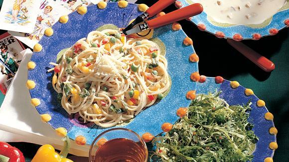 Konfetti-Spaghetti mit Paprika und Erbsen Rezept