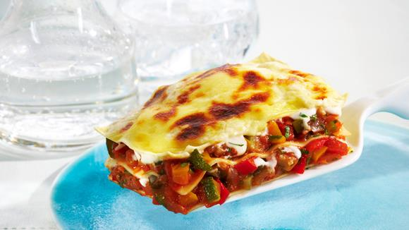 Lasagne mit Mozzarella und Tomaten
