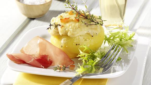 Gefüllte Erdäpfel mit Faschiertem und Gemüse Rezept