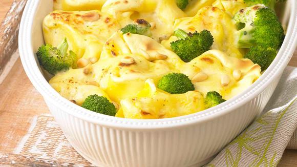 Kartoffelgratin mit Broccoli und Karotten