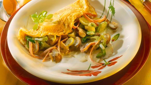 Schwammerl-Palatschinken mit Zucchini und Putenbrust
