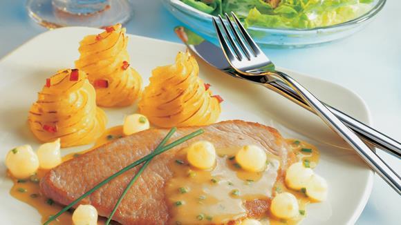 Putenschnitzel mit Perlzwiebel-Senfsauce Rezept