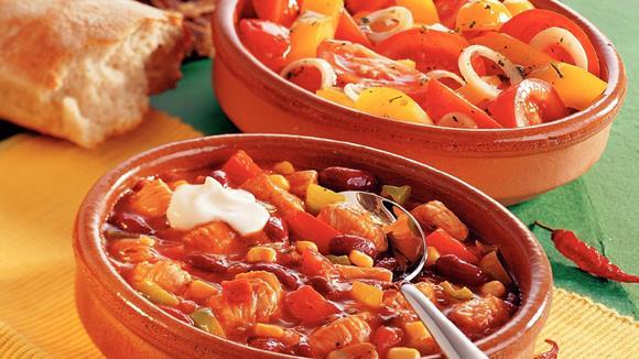 Putenchili mit frischem Paprika