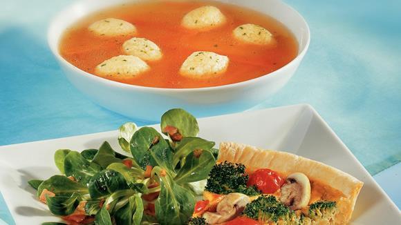 Broccoli-Champignon Quiche mit Pignoli