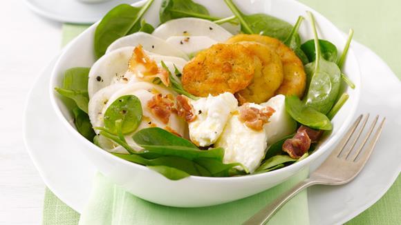 Semmelknödel auf grünem Salat mit Radieschen-Vinaigrette Rezept