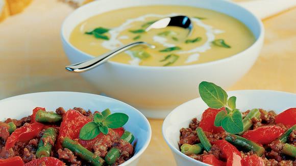 Pfannengericht mit Faschiertem, Fisolen und Tomaten Rezept