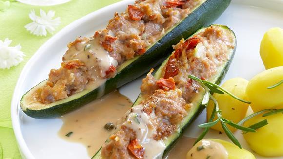 Gefüllte Zucchini-Schiffchen