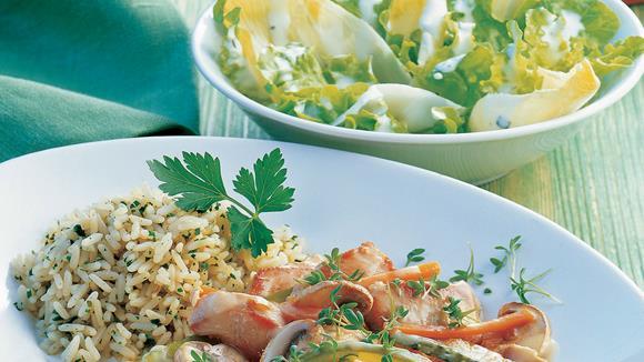 Puten-Pfandl mit Karotten, Essiggurkerl und Champignons