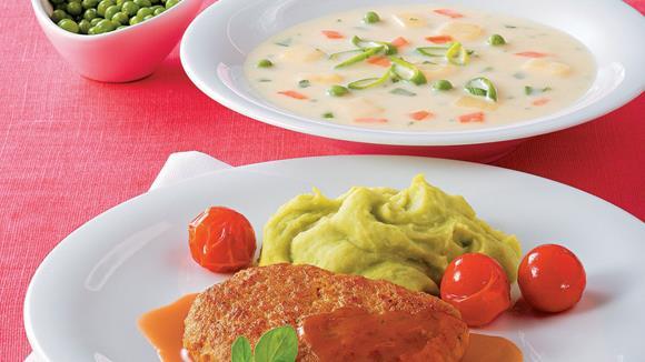 Kalbsfaschiertes nach Butterschnitzelart mit Erbsen-Kartoffelpüree Rezept