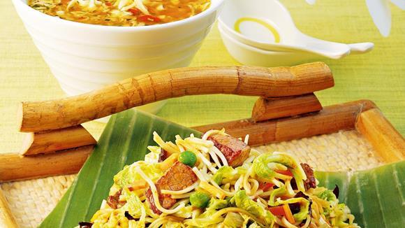 Bami Goreng mit Rindfleisch und Paprika