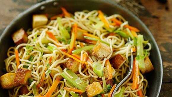 Gemüse-Gröstl mit chinesischen Nudeln Rezept