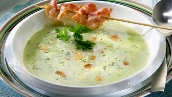 Pea cream soup with bacon recipe