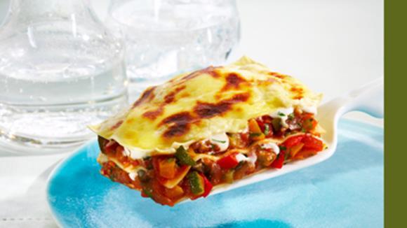 Gemüse-Lasagne mit Zuchetti, Aubergine und Peperoni