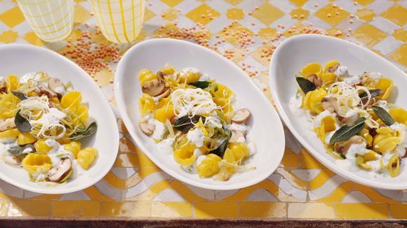 Gnocchi-Salat mit Lauch und Champignons