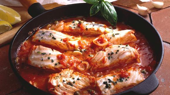 Fisch alla Pizzaiola mit Kapern