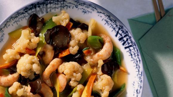 Chinesische Gemüsepfanne mit Shrimps