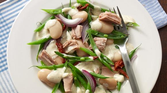Bohnensalat mit Thon und getrockneten Tomaten