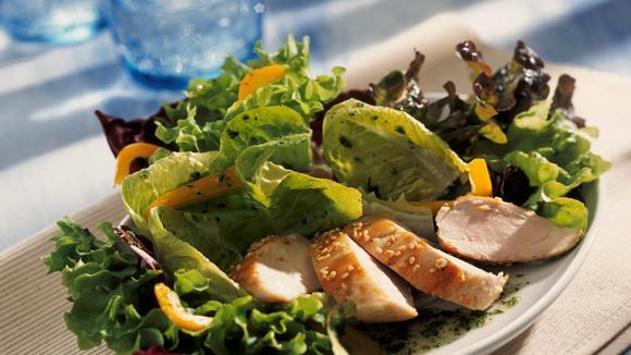 Blattsalate mit Honig-Pouletbrust